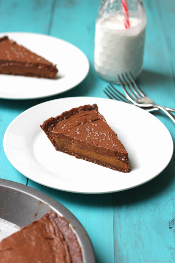 No bake chocolate salted caramel pie