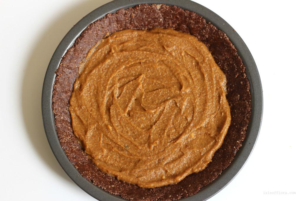No bake chocolate salted caramel pie